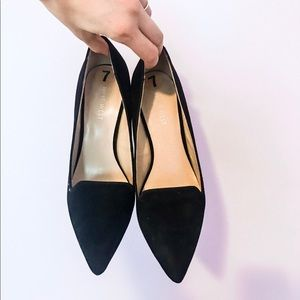 NINE WEST: Size 7 Black Suede Heels (lightly used)